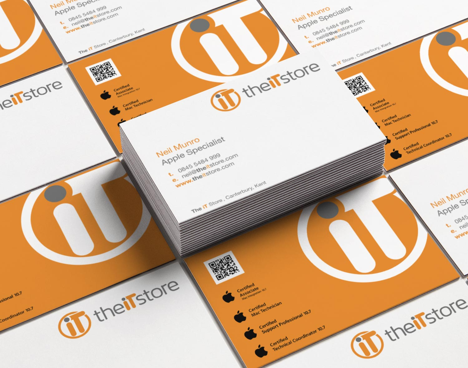 The iT Store business cards